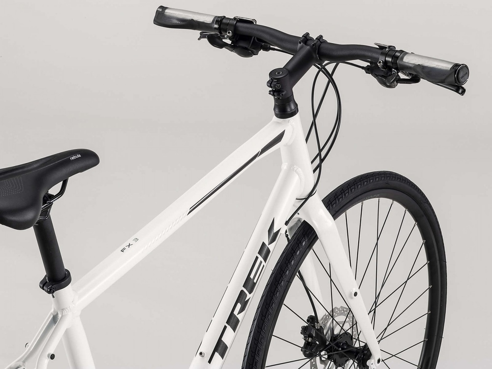 55ea1e3e3e4 Велосипед належить до категорії Fitness, яка протягом тривалого часу  залишається однією з найпопулярніших. FX 3 Disc - універсальний гібридний  велосипед, ...